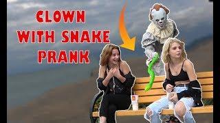 PENNYWISE  WITH SNAKE PRANK - Clown Halloween Hidden Camera PRANK