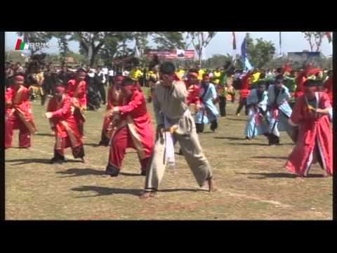 Penampilan Parade Lintas Budaya Apel Tahunan Gontor 2 2014 (part-2)