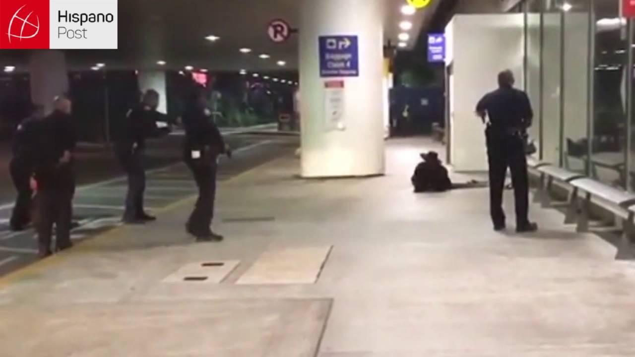 Falsa alarma en aeropuerto de L.A. por un hombre disfrazado y con una espada