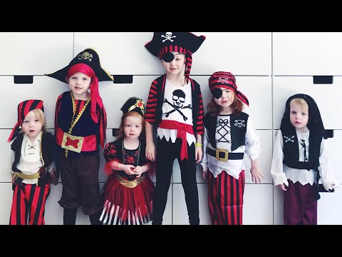Kids Halloween Pirate Costume Dress Up!