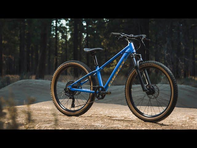 Видео Велосипед Giant STP 26 Metallic Black
