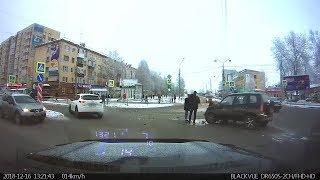 Шустрый УАЗ подбил Ниву. Архангельск.
