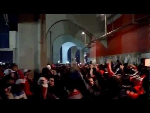 """""""Señores Yo Soy de La Banda"""" Barra: Los Borrachos del Tablón • Club: River Plate"""