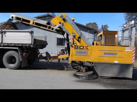 Manmachine Senior 2000 Towed Sweeper