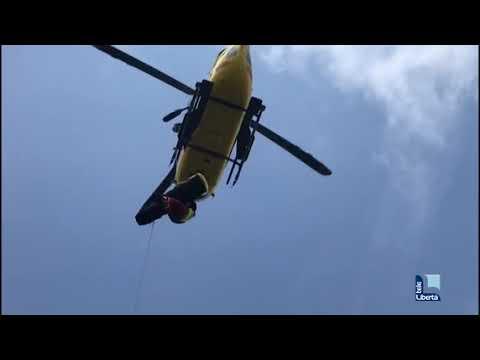 L'intervento del soccorso alpino a Pieve di Revigozzo