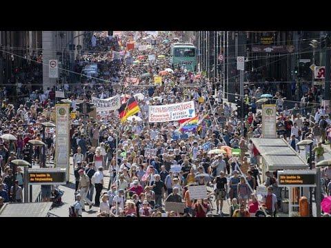 Διαδήλωση στο Βερολίνο κατά των περιοριστικών μέτρων