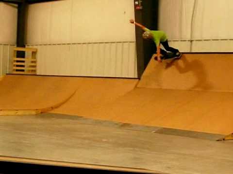 Plex skatepark skating
