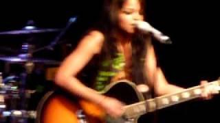 Fefe Dobson - Joy - live in Winnipeg