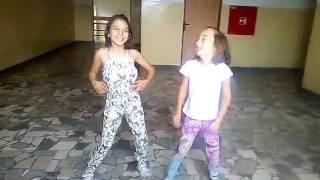 Cikanske deti tancuji za cigaretu