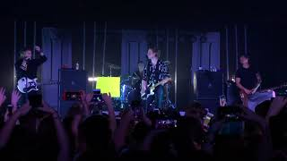 5sos playing Unpredictable beginning & Michael talking in Nashville at the Cannery Ballroom 4/18/18