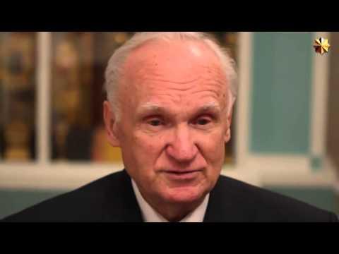 Об отношении православия к Новому году: В Новый год с молитвой! Профессор Алексей Ильич Осипов