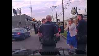 فيديو لحظة اعتقال الشرطة لشاب يتحول إلى طلب زواج غريب!