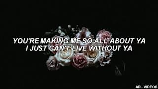 Avril Lavigne- Crush (lyrics)