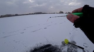 Ловля рыбы на чертик зимой