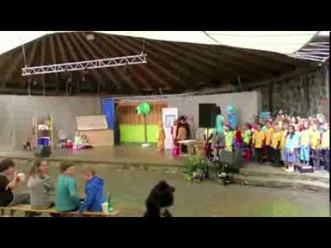 """Felicitas Kunterbunt """"Georg der Gorilla in Afrika"""" - Aufführung des Kinderchors """"Sonnentöne"""""""