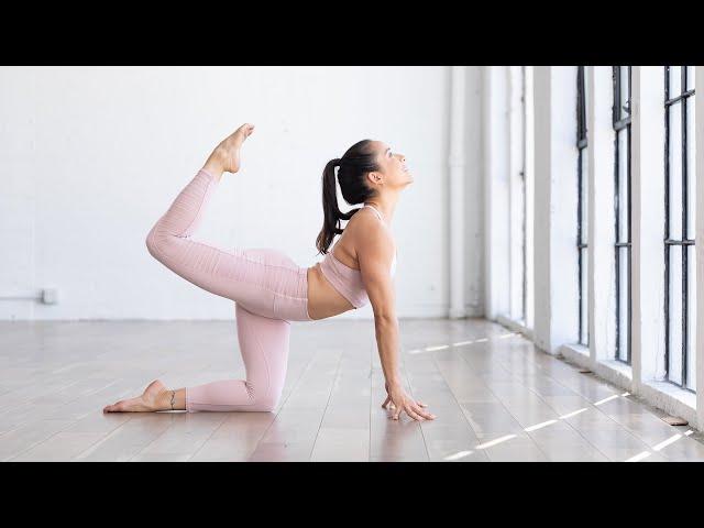 Uplifted Morning Yoga Flow – Briohny Smyth
