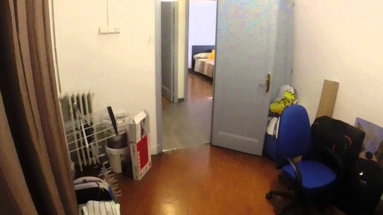 Rooms with TV in a four bedroom apartment, very close to the university