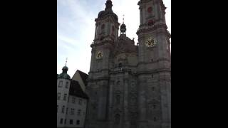 preview picture of video 'Stiftskirche St. Gallen Oktober 2011'