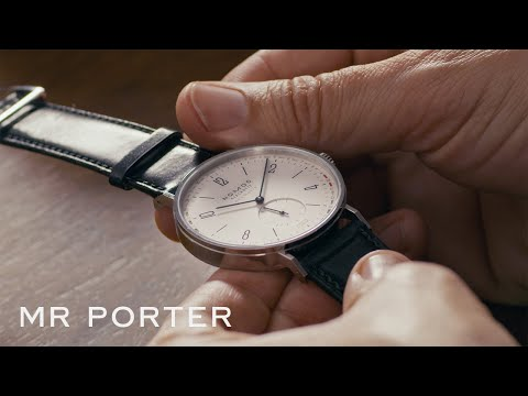 Musique publicité Les complications de MR PORTER expliquées: les affichages de date uniques de NOMOS Glashütte et la pub à double heure 2021   Juillet 2021