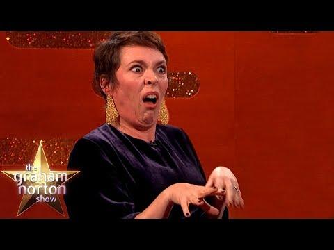 Olivia Colman o roli královny a jeden z prvních výstupů Nicholase Houlta - The Graham Norton Show