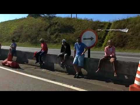 Exercito libera rodovia para os Caminhoneiros