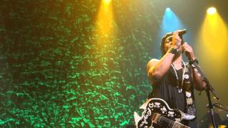 "D'Angelo LA live 2015 - ""left & right-"