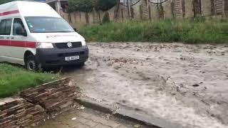Ливень превратил улицы Комрата в реки