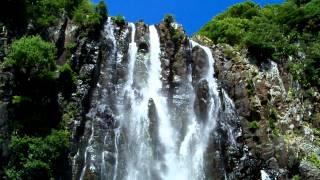 preview picture of video 'Cascade Niagara - waterfall - Sainte-suzanne - Ile de la Réunion - Reunion Island'
