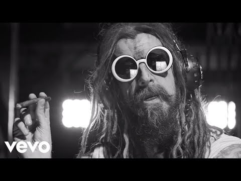 Rob Zombie - Dead City Radio And The New Gods Of Supertown online metal music video by ROB ZOMBIE