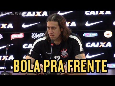 'Goleiro nenhum gosta de tomar gols'