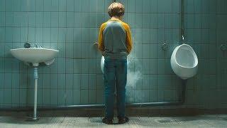 【穷电影】小男孩被变异蚂蚁咬伤,第二天小便的时候,却被自己的尿吓到了