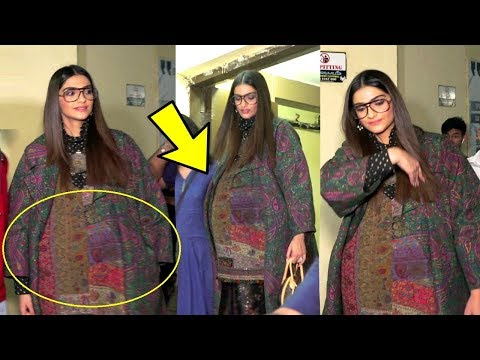Sonam Kapoor Hiding Her Baby Bump In Loose Clothes  At Most Wanted Screening
