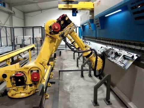 Prasy krawędziowe RICO portugalia z robotami FANUC - zdjęcie