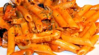 Makaron dla Studenta  w sosie pomidorowo- śmietanowym