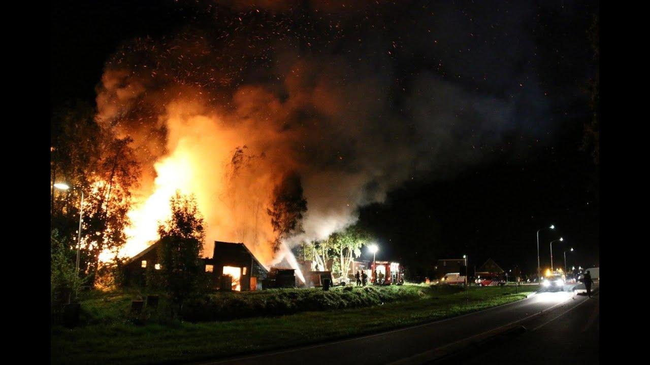 Scheemda – Grote brand legt schuur volledig in de as