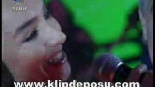 Edip&Türkü Akbayram Nazım Hikmet Memleket Beyaz Show 02.05