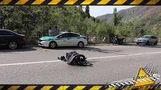 Спортивный мотоцикл разорвало в результате лобового столкновения