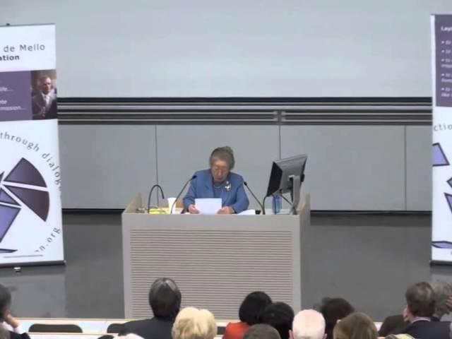 2009 | Dr Sadako Ogata