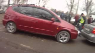 Таксисты заблокировали бандитов. Луганск