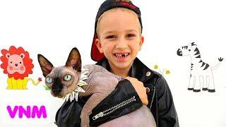 Nikita và Mama chơi salon thú cưng và mặc đồ chơi