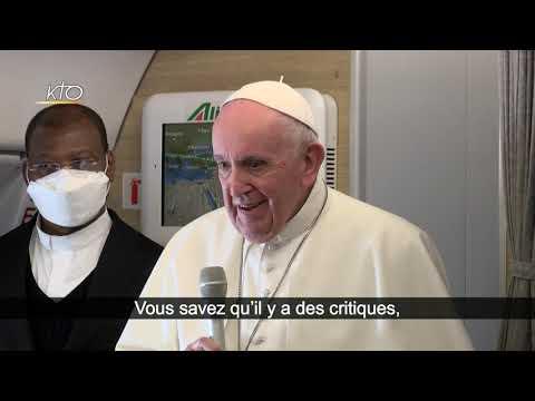 Le Pape héraut de la fraternité humaine, malgré les critiques