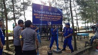 Kapolda Bangka Belitung Pasang Plang Jaga Kebersihan di Pantai Pasir Padi Pangkalpinang