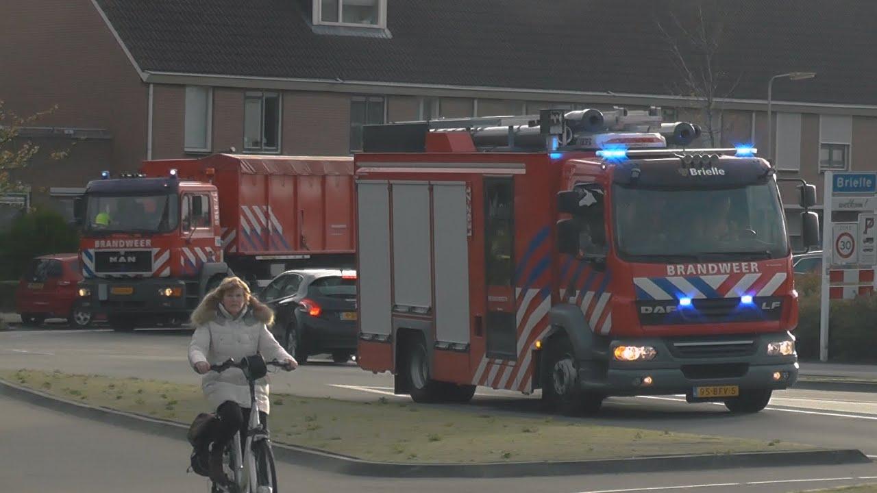 Groot watertransport Brandweer Brielle met spoed naar brand