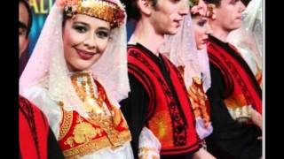"Turkish Folk Song  ""Elmaların Yongası"""