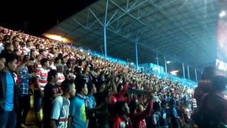 Suporter Madura Di Kandang Arema