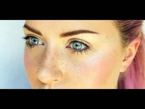 Cosmetology whitening pigment spots at facial