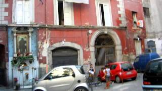 preview picture of video 'A One-Street Tour Shows Why I Like Naples'