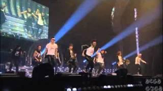 GD At YG Family Concert 2010 - 2