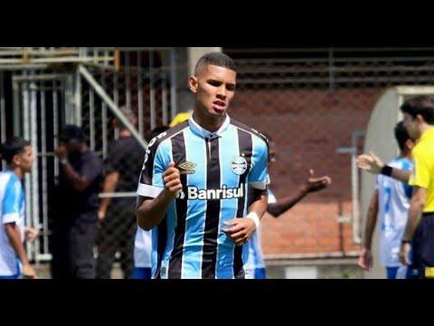 Yan Lima defende o Sub-20 do Grêmio