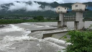 大雨による河川の水位上昇中山川の様子愛媛県西条市